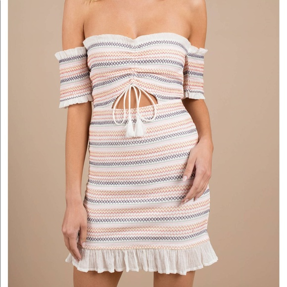 Tobi Dresses & Skirts - TOBI Nia Off The Shoulder Bodycon Dress